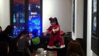 マジシャン派遣出張 深川ギャザリアのクリスマスイベントでマジックショー