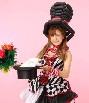 マジシャン派遣・出張 イタリア系クオーター 美人マジシャン魔ほうの愛華 写真01