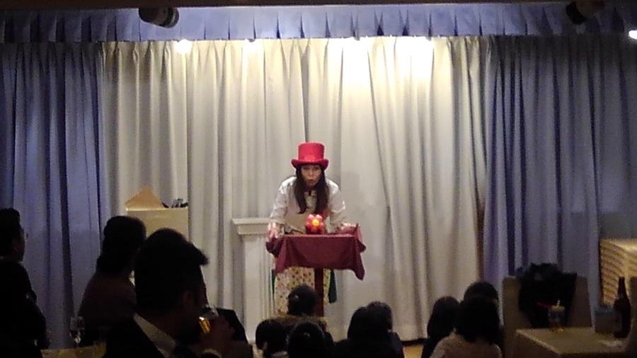 マジシャン派遣 南海子 マジックショー ヴァンティアンクルーズにて企業パーティー