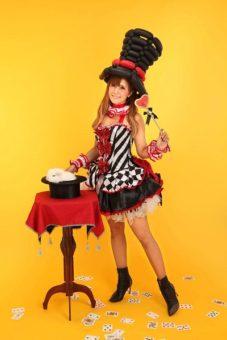 マジシャン派遣・出張 イタリア系クオーター 美人マジシャン魔ほうの愛華 写真02